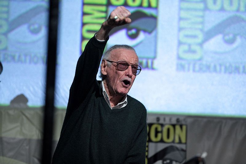 Los verbos haber y estar: despedia de Stan Lee